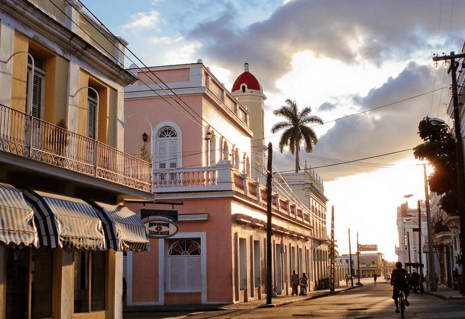 Jour 12 : Trinidad - Cienfuegos (83 KM - environ 01h00)